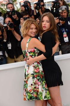 Adele Exarchopoulos and Lea Seydoux posed together at the La Vie d'Adele photo call held at the Palais Des Festivals as part . Lea Seydoux Adele, Lgbt, Adele Exarchopoulos, Blue Is The Warmest Colour, Cute Lesbian Couples, Beauty Magazine, French Actress, Cultura Pop, Classy Women