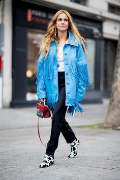 Paris Fashion Week: All the best street style snaps from the fall/winter 2019 runway season Quirky Fashion, Cool Street Fashion, Paris Fashion, Autumn Fashion, Fashion Weeks, Fashion Outfits, Fashion Trends, Autumn Street Style, Street Style Women