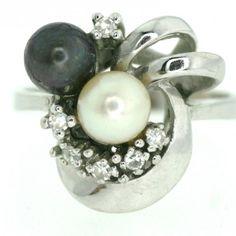 Anyag: arany Kő: gyémánt Szín: fehér Nem: női Állapot: hibátlan  14k fehér arany gyűrű vintage gyöngy 2 színes 6MM minden ragyogó gyűrű 0,2crt fej CA. 16 x 16 mm-es mérete 54 gyűrű / 6.8 / 17,2mm súly gyűrű CA. 6,1 g Pearl Earrings, Minden, Vintage, Pearls, Jewelry, Pearl Studs, Jewlery, Jewels, Beads