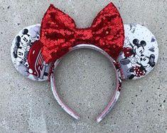 Custom themed Mickey & Minnie Ears and Travel Bags by MagicMyEars Mini Mouse Ears, Disney Minnie Mouse Ears, Diy Disney Ears, Disney Diy, Disney Crafts, Minnie Mouse Disneyland, Disney Headbands, Ear Headbands, Mickey Mouse Ears Headband