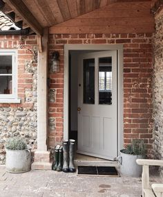 Eden Hall Cottage Norfolk – British family getaway – Entrance – Diet and Slimming The Doors, Back Doors, Entry Doors, Cottage Living, Cottage Homes, Cottage Porch, Cottage Front Doors, Country Front Door, Cottage Doors Interior