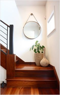 10 Staircase Landings Featuring Creative Use Of Space In