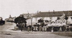 La calle Alcalá en 1870, con la Cibeles a un lado: no colocarían a la diosa en el centro de la plaza hasta más adelante.