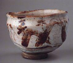 "Teabowl ""Horai-san""; Japan, Stoneware with feldspathic glaze and iron slip decoration; Private collection"