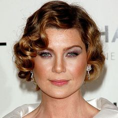 Short Flapper Hairstyle--I need to learn how to do pin curls.