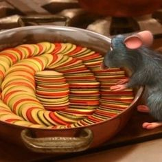 Ratatouille filmmakers created over 270 pieces of food for the film. Every item was prepared in a real kitchen, photographed for reference, and eaten. Ratatouille Disney, Best Disney Movies, Pixar Movies, Easy Healthy Dinners, Healthy Dinner Recipes, Real Kitchen, Movie Facts, Finding Dory, Disney And More
