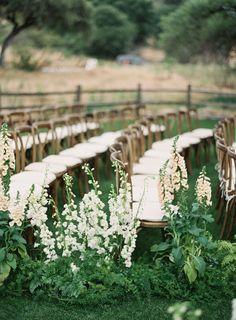 ceremony+aisle+inspiration.+san+diego+ranch+wedding.+michael+radford+photography.+plenty+of+petals+florist+