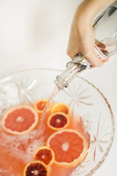 Boozy Winter Citrus Punch | theglitterguide.com
