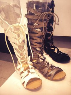 Las #sandalias romanas vuelven a estar de #moda este #verano, lo estamos comprobando en @MARYPAZ Shoes pic.twitter.com/Vt45sszd7h