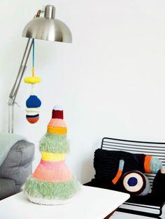 http://www.boligliv.dk/indretning/indretning/kunstnerhjem-klassisk-stil--strikket-kunst/