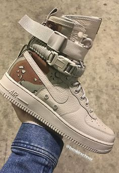 """The Nike """"Desert Camo"""" is releasing during All-Star Weekend at Tier Zero accounts. For more details, tap the link in our bio. Sneakers Fashion, Fashion Shoes, Mens Fashion, Urban Fashion, Fashion Outfits, Fashion Trends, Nike Air Shoes, Sneakers Nike, Nike Sf Af1"""