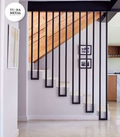 Staircase Railing Design, Home Stairs Design, House Gate Design, Interior Stairs, Home Room Design, Dream Home Design, Door Design, Home Interior Design, Stair Decor