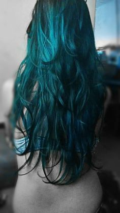 Pictures of the color teal girl dark teal hair color pictures of Teal Hair Dye, Dark Teal Hair, Teal Hair Color, Turquoise Hair, Dye My Hair, Hair Color Balayage, Blue Green Hair, Neon Hair, Violet Hair