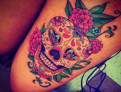 cool # tattoo sugar skull thigh tattoo # cool # tatoo This is really one of the best Sugar skulls ive seen ! Tattoo Hd, Tigh Tattoo, Tattoo Bein, Lost Tattoo, Tattoo Pics, Skull Thigh Tattoos, Body Art Tattoos, New Tattoos, Tatoos
