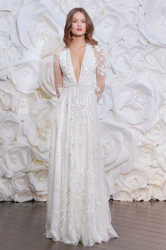 Los más bellos vestidos presentados en la New York International Bridal Week Fall 2015.
