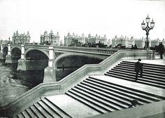 Westminster Bridge looking towards St Thomas' Hospital - 1890s