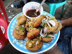 Most Popular Street Food in Bangladesh — Steemit Japanese Street Food, Thai Street Food, Indian Street Food, Indian Food Recipes, Vegetarian Recipes, Bangladeshi Food, Vietnamese Dessert, Philippines Food, Chaat Masala