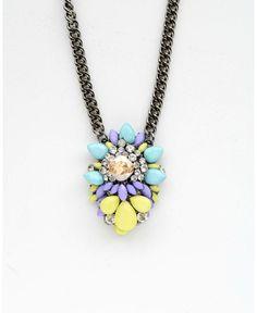 http://dropdeadgorgeousdaily.com/2014/02/pastel-fashion/