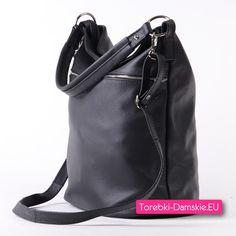2327dc2e732e7 Czarna pojemna miejska torba do ręki na ramię do przewieszenia wykonana w  całości z
