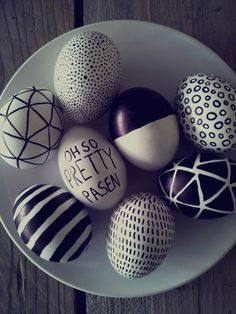 Easter recipes to make planning this holiday easier than ever! Plan for the entire Easter weekend with our recipes for dinner, dessert, and even brunch. Sharpie Eggs, Diy Ostern, Egg Art, Easter Holidays, Egg Decorating, Spring Crafts, Easter Crafts, Easter Ideas, Happy Easter