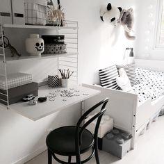 #myhome #kidsroom #boysroom #whitehome #whitedetails #blackandwhitehome #mittbarnerom #barnrumsinspo #brigbys #string #ton #legostorage #interior_to_inspire #interior4you1 #interior4all #interior444 #interior125 #interior124 #interior123 #nordiskehjem #skandinaviskehjem #scandinavianhomes #lohne_interior84 #interiorwarrior #interior_magasinet #boligpluss #kkliving #vakrehjemoginterior #interior_and_living by jeanette_b_o