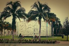 walking in Miami Beach...nearby the wounderful EF school.