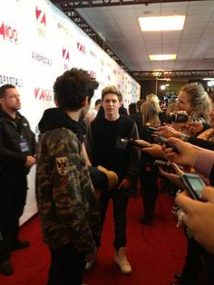 Zayn and Niall on the red carpet for the Jingle Ball, 7.12.12.