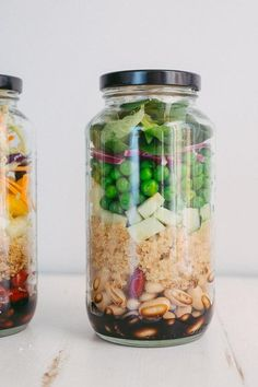 Superfood Mason Jar Salad (perfect for lunches!) | via The Blonde Chef