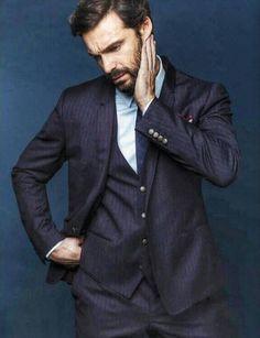 Ivan Sanchez posa para la revista GQ Mexico.