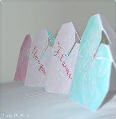 Petit cadeau pour la Saint Valentin: carte coeur origami pour dire je t'aime (DIY)