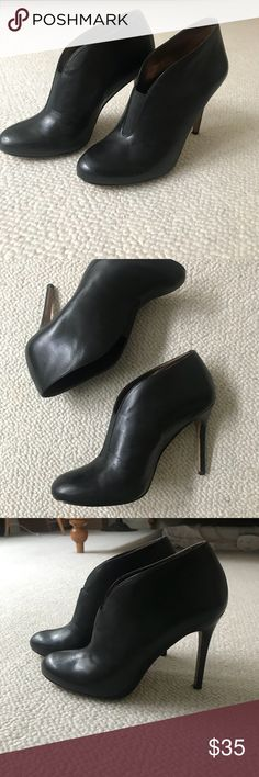 Julianne Hough for SoleSociety s8 stiletto booties Black stiletto booties! Super cute they are just too big for me! Wore one to the ballet! Julianne Hough Shoes Heels
