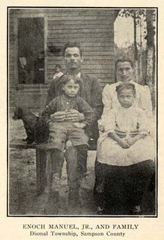 Enoch Manuel Jr. and his family - Coharie - 1916