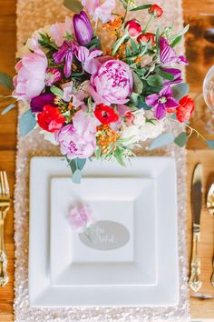 Photography: Bradley James Photography - bradleyjamesphotography.com  Read More: http://www.stylemepretty.com/2014/06/03/trouvaille-workshop-wedding-inspiration/
