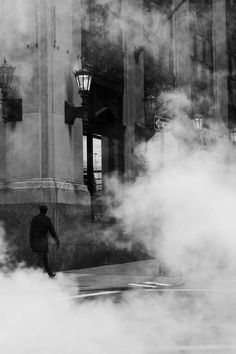 Sugata BANERJI :: Mysterious Wall Street, New York City, as seen through some steam coming out of an underground vent, 2012 Black And White City, Black And White Aesthetic, Black N White Images, Photography Essentials, City Photography, Amazing Photography, Wall Street News, New York Photos, Photo B