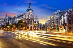 http://meettotravel.com/actualites/top-10-lieux-passer-nouvel-an-inoubliable #Madrid #Noche