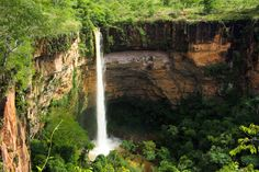 Curtir as cachoeiras de alguma chapada do Brasil (Chapada dos Veadeiros, Guimarães, Diamantina ou das Mesas)