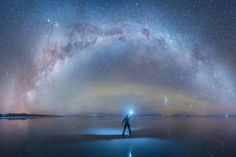 Salar de Uyuni salt flats in Bolivia isn't exactly first place to people's minds when you think about tourist destinations or places to see some beautiful views Bolivia, Milky Way Facts, Black Hole Theory, Milky Chance, Galaxy Pictures, Diamond Drawing, Meditation, Hubble Images, Epic Photos