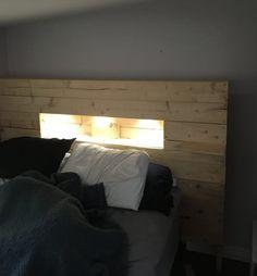 Led-lit Pallet Wood Headboard DIY Pallet Bed Headboard & Frame #headboarddiy