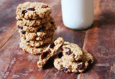 Chewy Oatmeal Raisin Cookies- The Little Green Spoon. Gluten free & dairy free, healthy oatmeal rasin cookies.