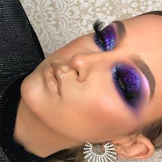 Best 10 Eyeshadows & Palette Makeup Products You've Never Seen Before Makeup World Best 10 Eyeshadow Glam Makeup, Purple Makeup, Glitter Makeup, Makeup Kit, Party Makeup, Makeup Inspo, Makeup Inspiration, Hair Makeup, Makeup Products