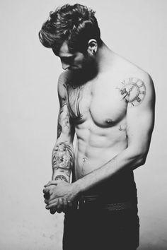 gostei muito da tattoo no ombro