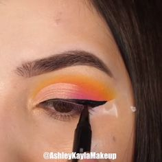 A rule that you should be careful not only for your bridal makeup, but for all your life: Make-up according to your eye and skin color! Makeup Eye Looks, Eye Makeup Steps, Cute Makeup, Pretty Makeup, Amazing Makeup, Creative Eye Makeup, Colorful Eye Makeup, Simple Makeup, Summer Eye Makeup