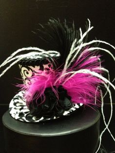 Black and White Damask Mini Top Hat.  Great for by daisyleedesign