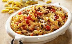 Pastafad med peberfrugt Inspireret af den amerikanske klassiker - macaroni and cheese. Her i en lidt lettere version og med grønsager, så den også passer på en hverdag.