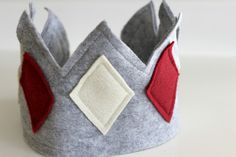 DIY Felt Crown...  For wisemen, birthdays or everyday dress up!