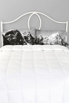 Mountaintop Pillowcase - Set Of 2 - Urban Outfitters