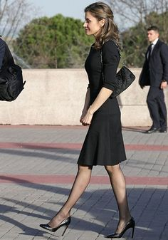 Yesterday, on March 29, King Felipe and Queen Letizia of Spain attend a funeral chapel for Alicia de Borbon Parma, Duchess of Calabria at La Paz morgue in Madrid. Alicia was Duchess of Calabria through her marriage to Infante Alfonso, Duke of Calabria. She bore the title of Infanta of Spain from 1936, and took part in some of the activities that the Spanish Royal Family organises. She was born in Vienna and died on March 28, 2017 (aged 99) in Madrid.