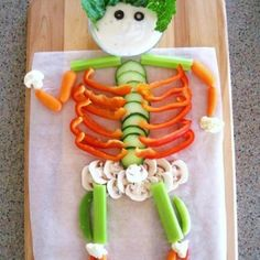 Healthy Halloween snacks for kids. The trick to getting kids to eat healthier options is to just make it FUN! That's what Halloween is all about, right? Healthy Halloween Snacks, Healthy Snacks, Eating Healthy, Healthy Man, Healthy Kids, Happy Healthy, Veggie Snacks, Stay Healthy, Healthy Bodies