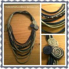 collier bleu gris en jersey