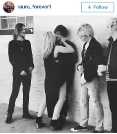 OMG! evrryones just looking at them like okaaaay guys we need to do the photo shoot... #rydellington